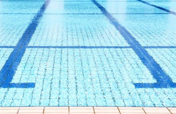 日本のプールがつまらないワケとは?